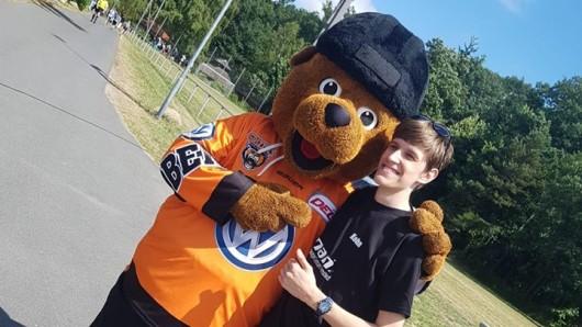 Und auch Ben, das Maskottchen von den Grizzlys war bei dem Charity Event dabei.