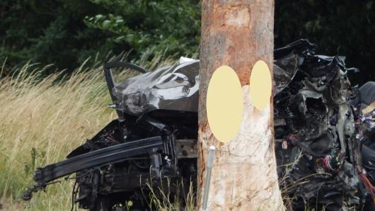 Der Notarzt konnte nur noch den Tod des Fahrers feststellen.