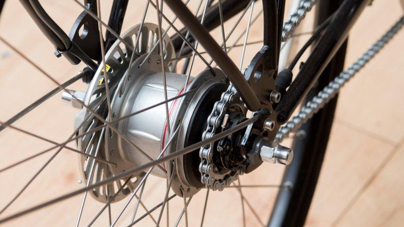 fahrrad unterschlagen mutti organisiert die beute. Black Bedroom Furniture Sets. Home Design Ideas