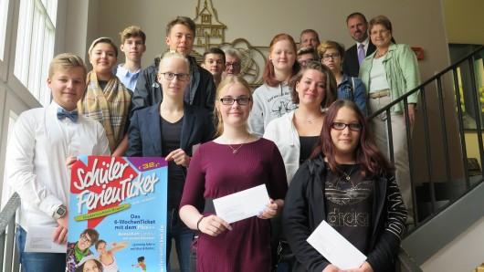 15 Schüler aus dem Landkreis Wolfenbüttel wurden heute für ihr Engagement belohnt.