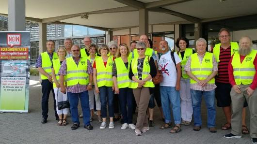 Vor Beginn der Ratssitzung in Salzgitter hatten Mitglieder der Bürgerinitiative gegen das Interkommunale Gewerbegebiet demonstriert.