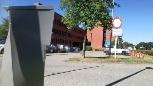 Am Freitagmittag stellte sich der Verdächtige bei der Polizei in Lebenstedt. (Archivbild)