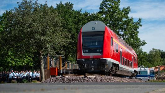 30 Meter Gleis, ein Bahnsteig und ein Waggon - das ist der Übungsbahnhof in Uelzen.
