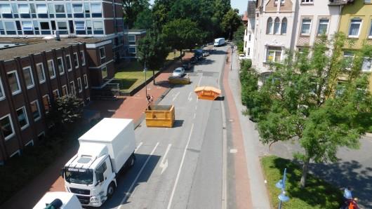 Mehrere Tonnen schwere Container sollen Terroristen daran hindern, mit Fahrzeugen in Menschenmengen zu rasen.