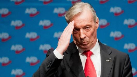 Der frühere AfD-Landesvorsitzende Armin-Paul Hampel nach seiner Niederlage beim Landesparteitag in Braunschweig. Auch beim Bundesparteitag am Samstag in Augsburg holte sich der Politiker eine Abfuhr.