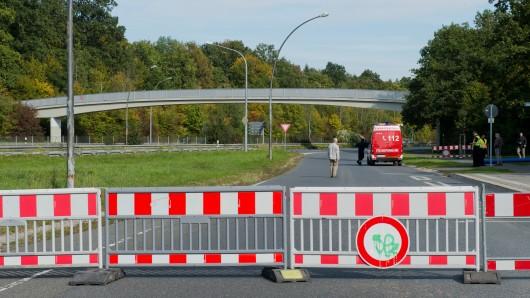 Auch die Brücke in Wolfsburg musste schon wegen Einsturzgefahr gesperrt werden. (Archivbild)