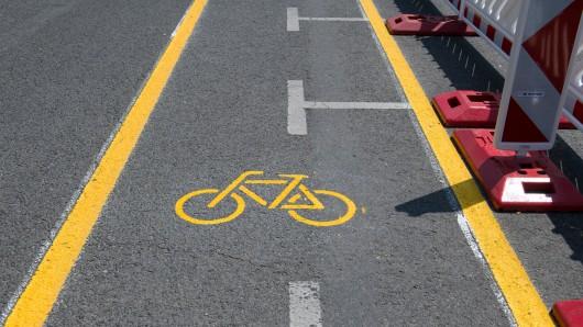 Weil der Radweg zwischen Meine und Wedelheine erneuert wird, gibt es Einschränkungen im Straßenverkehr (Symbolbild).