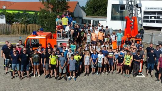 Feuerwehr trifft Feuerwehr: Die Kids aus Oldenburg haben der Wehr in Vorsfelde einen Besuch abgestattet.