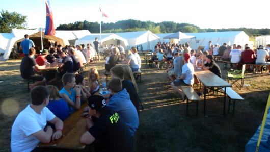 Das Wetter hat mitgespielt - die Jugendlichen konnten im Zeltlager der Feuerwehren des Bereichs West ordentlich Sonne tanken.