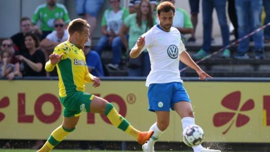 Der VfL Wolfsburg kam gegen den englischen Zweitligisten Norwich City am Donnerstag in Barsinghausen nur zu einem 1:1 (0:1).