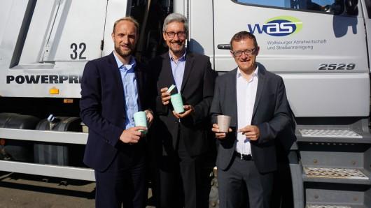 Die Wolfsburger Abfallwirtschaft und Straßenreinigung macht beim Projekt Mehrweg-Kaffeebecher mit.