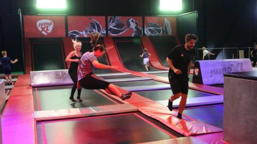 Jump XL bietet auf rund 3.000 Quadratmeter Fläche Hüpf-Spaß.