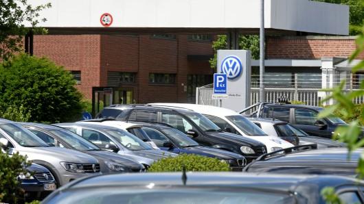 Der Einfahrtsbereich des VW-Testgeländes in Ehra-Lessien: Unter anderem hier will VW Freiflächen zum Abstellen von Neufahrzeugen nutzen, die noch nicht nach dem WLTP-Prüfverfahren zertifiziert sind.
