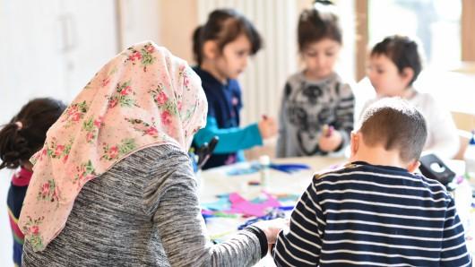 In Gifhorn soll der bundesweit erste muslimisch-christliche Kindergarten eröffnen. (Symbolbild)