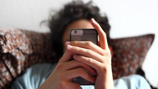 Infos über einen Prozess, Verhalten im Gericht und mögliche Strafen können sich Jugendliche bald per App aneignen.