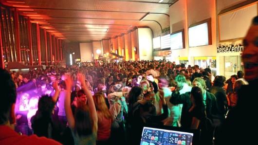 Im Mai 2006 war die Empfangshalle des Braunschweiger Hauptbahnhofs der Ort einer Fiestaphobia-Party.