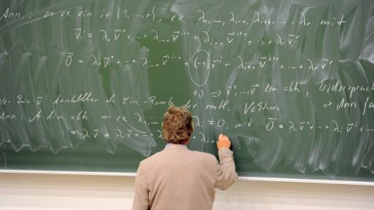 20.000 Hochschullehrer an Volkshochschulen arbeiten auf Honorarbasis. (Symbolbild)