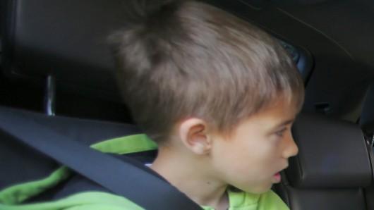 Der 9-jährige Beifahrer der Salzgitteranerin wurde nicht verletzt. (Symbolbild)