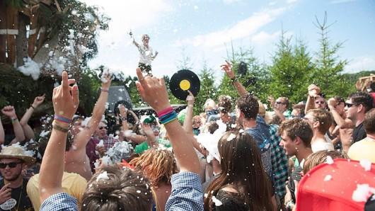 Über 50 Künstler spielen beim Rocken am Brocken-Festival.