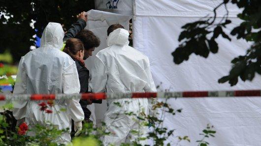 Passanten hatten die tote Frau auf einem Spielplatz in Hannover entdeckt. (Symbolbild)