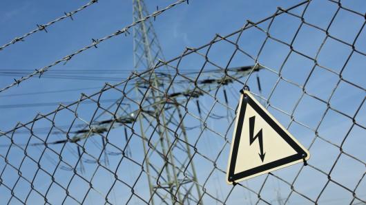 In den Gemeinden Cremlingen und Lehre gibt's seit dem frühen Freitagnachmittag keinen Strom mehr (Symbolbild).