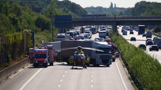 Hier geht nichts mehr: Die A2 ist nach dem Unfall voll gesperrt.