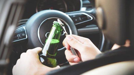Der Fahrer gab an, dass es sich um Restalkohol handelt (Symbolbild).