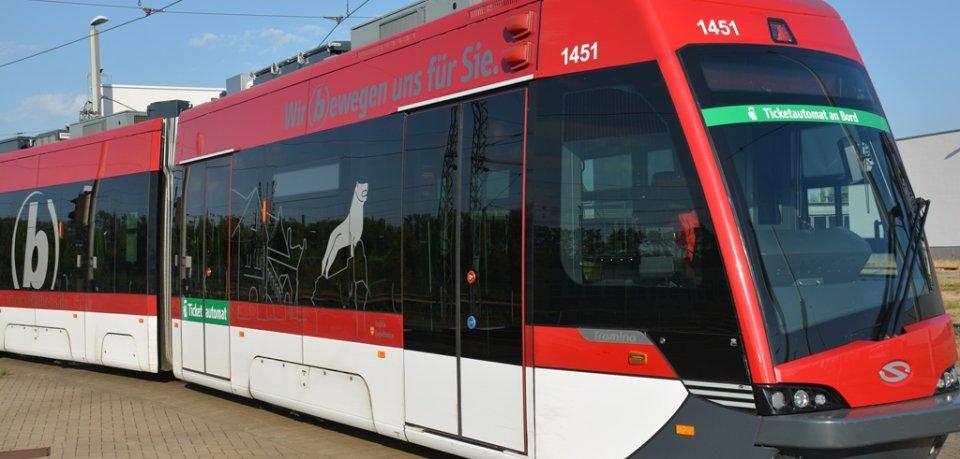 In Braunschweig hat eine Straßenbahnfahrerin am Donnerstag nicht schlecht gestaunt, als sie an einer Haltestelle in Stöckheim anhielt... (Symbolbild)
