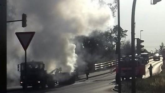 Laut Polizei hat die Brücken-Rampe keine Schäden davongetragen.