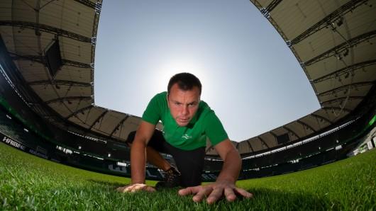 Peter Sauer, ist beim VfL Greenkeeper.