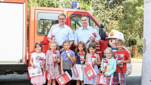 Die Freiwillige Feuerwehr Brechtorf hat am Wochenende Kinderaugen zum Leuchten gebracht.