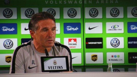 VfL-Trainer Bruno Labbadia sieht eine Entwicklung (Archivbild).