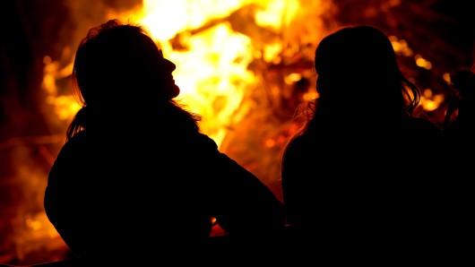 Zwei Wildangler haben im Harz ein Lagerfeuer angezündet. (Symbolbild)