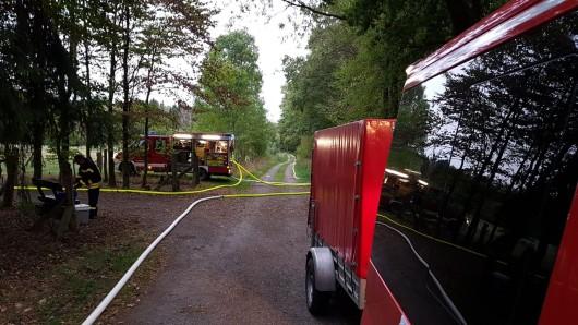 Die Feuerwehr Klein Brunsrode hat mit der  Kreisfeuerwehrbereitschaft des Landkreises Helmstedt  geübt.