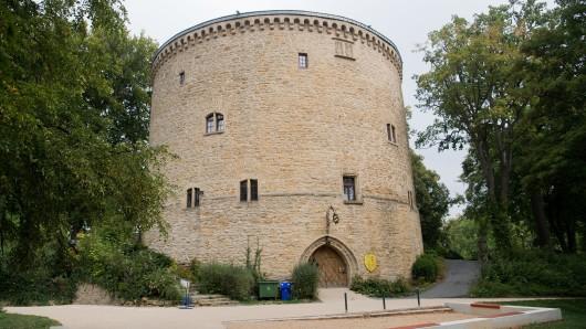 Sechseinhalb Meter sind die Mauern des Zwinger dick - er wurde zum Schutz Goslars gebaut. (Archivbild)