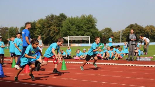 Unter anderem Laufwettbewerbe standen auf dem Programm für die 300 Grundschüler in Salzgitter.