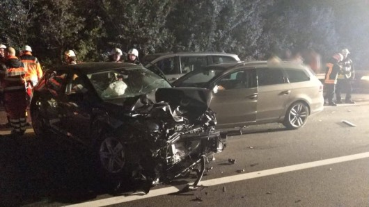 Ein 18-Jähriger wurde bei dem Unfall lebensgefährlich verletzt.