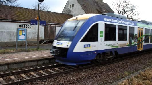 Ein Triebwagen des Harz-Elbe-Express (Archivfoto).