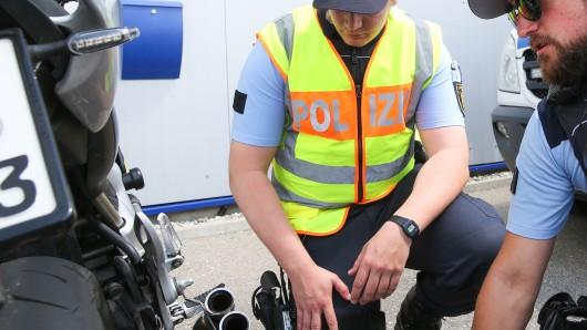 Ein Motorradfahrer aus Salzgitter war bei der jüngsten Geschwindigkeitskontrolle der Polizei an der B241 bei Clausthal-Zellerfeld der Spitzenreiter (Symbolbild).