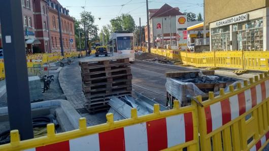 Großprojekte wie die Baustelle in der Helmstedter Straße sollen bis zum Beginn des Weihnachtsgeschäftes so weit erledigt sein, dass sie nicht mehr die Zufahrt zur Innenstadt behindern.