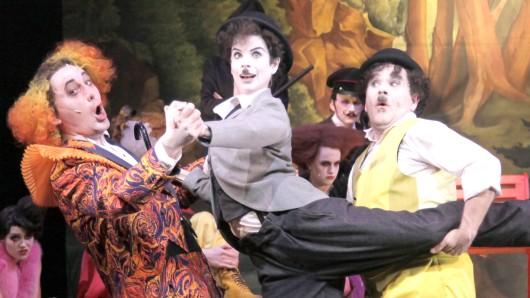Chaplin ist ein Musical von Thomas Meehan und Christopher Curtis, das vom Theater Osnabrück in deutschsprachiger Erstaufführung im Scharoun-Theater Wolfsburg gezeigt wird.