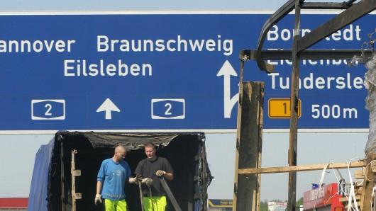 Nach dem Lkw-Unfall auf der A2 bei Bornstedt war die Autobahn in Richtung Braunschweig rund vier Stunden gesperrt (Symbolbild).