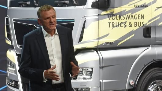 Er verbraucht dieser Tage ganz viel Tinte - bei so vielen Kooperationen, welche die VW-Lastwagensparte derzeit abschließt: Traton-Vorstandschef Andreas Renschler (Archivfoto).