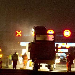 Wegen einer Baustelle staut sich der Verkehr auf der A2 zwischen Braunschweig und Königslutter am späten Donnerstagabend auf 11 Kilometer Länge (Symbolbild).