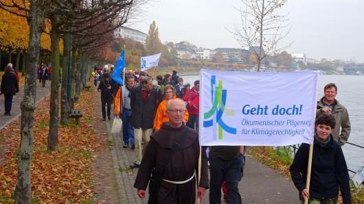 Die ökumenische Gruppe pilgert von Bonn über Berlin bis nach Katowice in Polen.