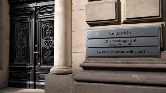 Der 40-Jähriger muss sich vor dem Braunschweiger Landgericht wegen versuchtem Mord verantworten.