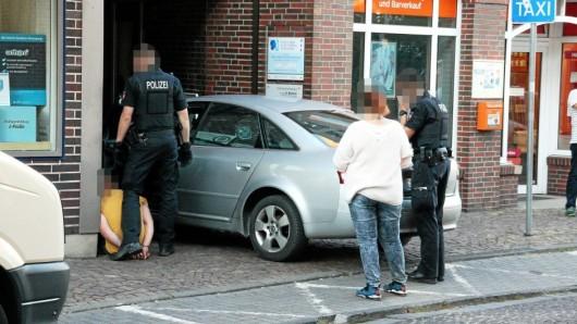 Im Amtsgericht Gifhorn klickten die Handschellen erneut: Der Raser muss für acht Monate ins Gefängnis.