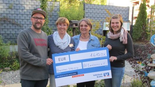 1.610 Euro hat der Reitverein Centaurus 2008 e.V. für die Hospizarbeit in Wolfsburg gespendet.