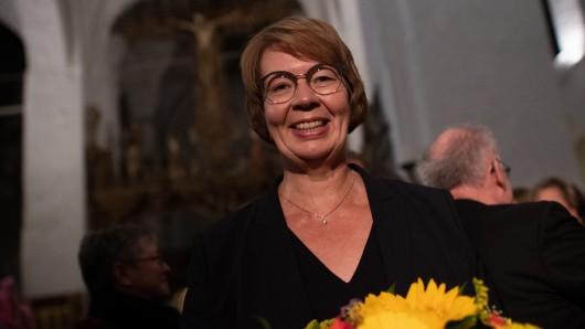 Die gebürtige Braunschweigerin Kristina Kühnbaum-Schmidt nach ihrer Wahl zur künftigen Bischöfin der evangelischen Nordkirche. In dieser Funktion ist sie oberste Seelsorgerin für die Protestanten in Hamburg, Schleswig-Holstein und Mecklenburg-Vorpommern.
