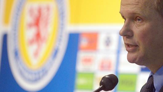 Club-Chef Sebastian Ebel ließ nach dem Pokal-Aus der Eintracht am Mittwochnachmittag keinen Zweifel: Auch am kommenden Samstag im Punktspiel gegen die Sportfreunde Lotte wird Henrik Pedersen Cheftrainer der Löwen sein (Archivfoto).